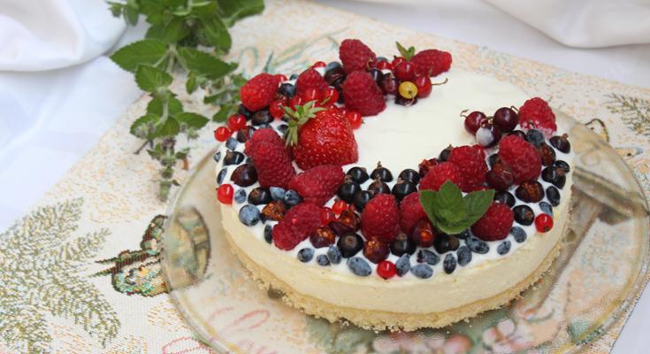 Домашний чизкейк со свежими ягодами